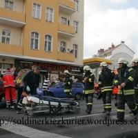 Polizeiauto rammte Transporter – schwerer Unfall Prinzenallee Ecke Osloer Straße Fotos
