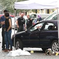 Drama Mord auf offener Straße - Mann erschießt die Mutter seiner Exfrau. 2 Personen schwer verletzt.