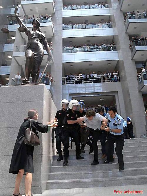 Taksim anwälte türkei festgenommen