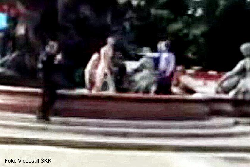 Nackter von Polizist im Neptunbrunnen erschossen