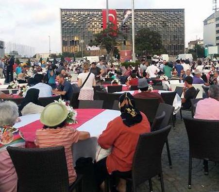 Fastenbrechen Taksim platz 2013