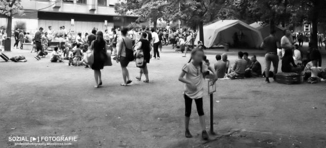 Flüchtlingsaufkommen vor LaGeSo Berlin Foto moabit hilft sozialfotografie