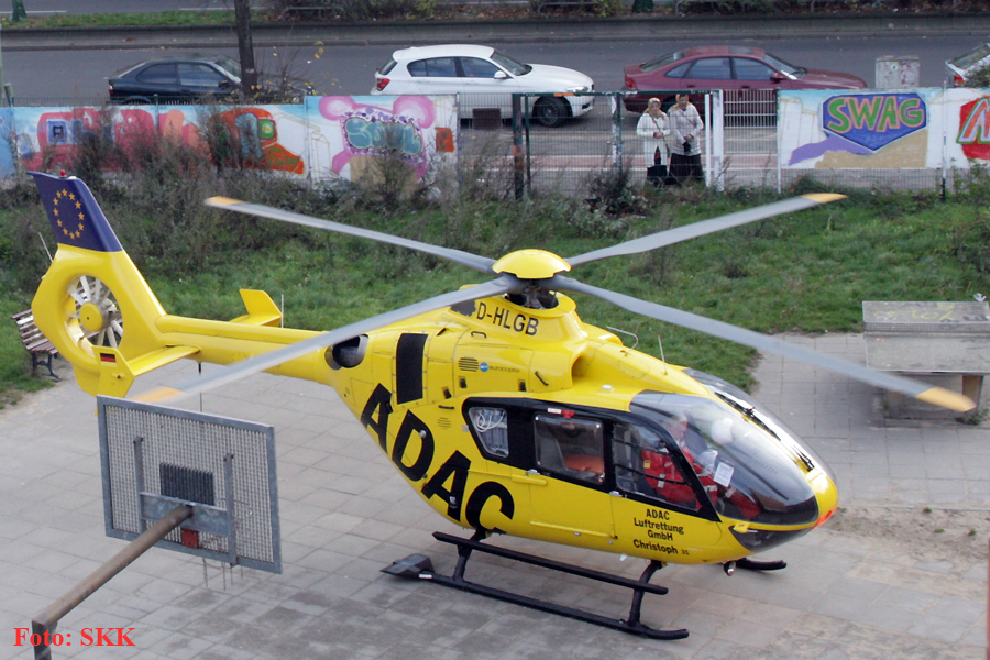 Hubschrauber in der Prinzenallee Wedding (1)