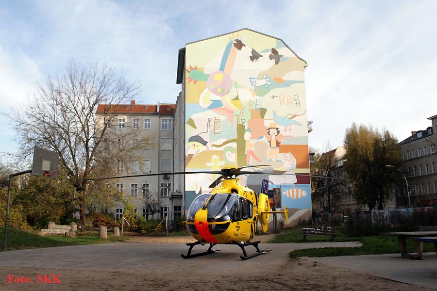 Hubschrauber in der Prinzenallee Wedding (3)
