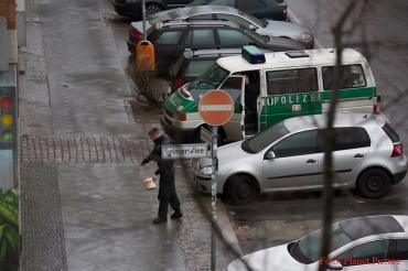 blitzeis in berlin polizei hilft beim streuen