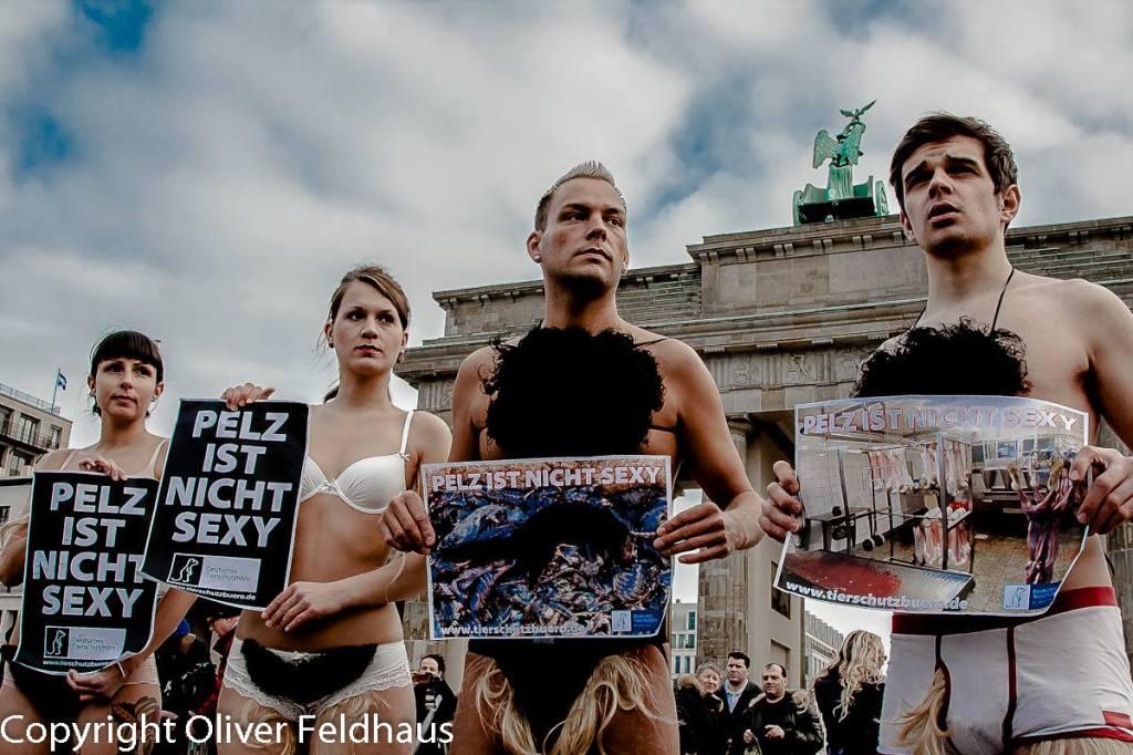 Oliver Feldhaus buttersäureanschlag auf PETA protest in Berlin2