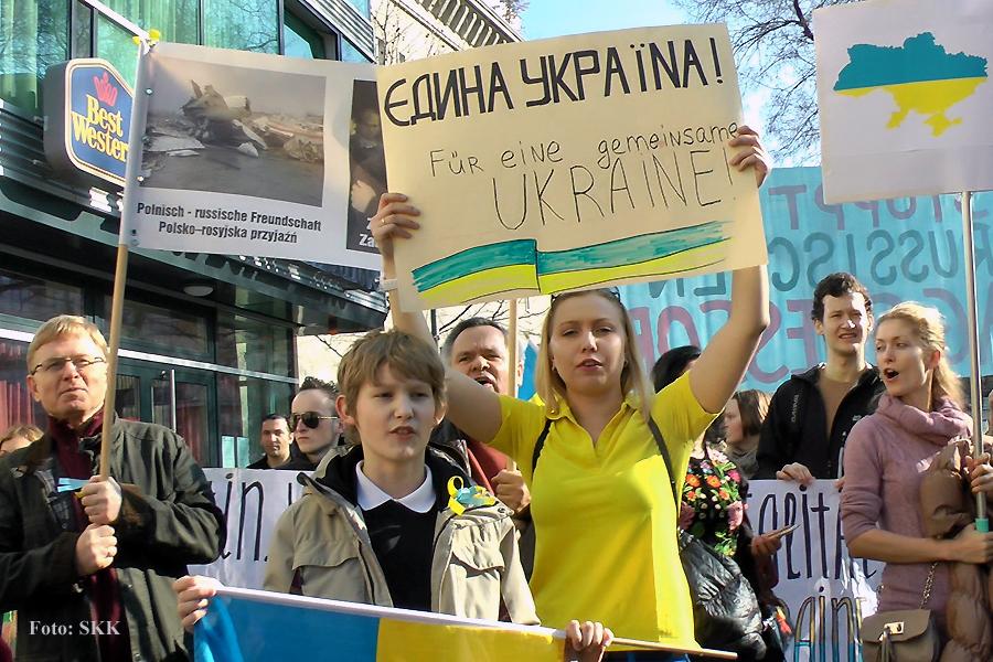 Putin raus aus der Ukraine - Demo für die Ukraine in Berlin