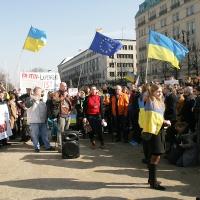 Putin Hände weg von der Ukraine - Demo für die Ukraine