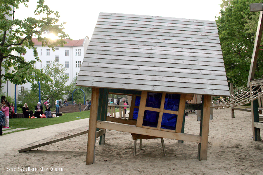 schiefer Spielplatz Koloniestraße(1)