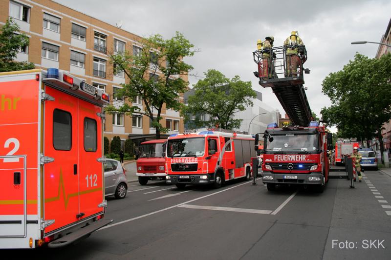 brennender balkonkasten drontheimer straße wedding berlin (5)