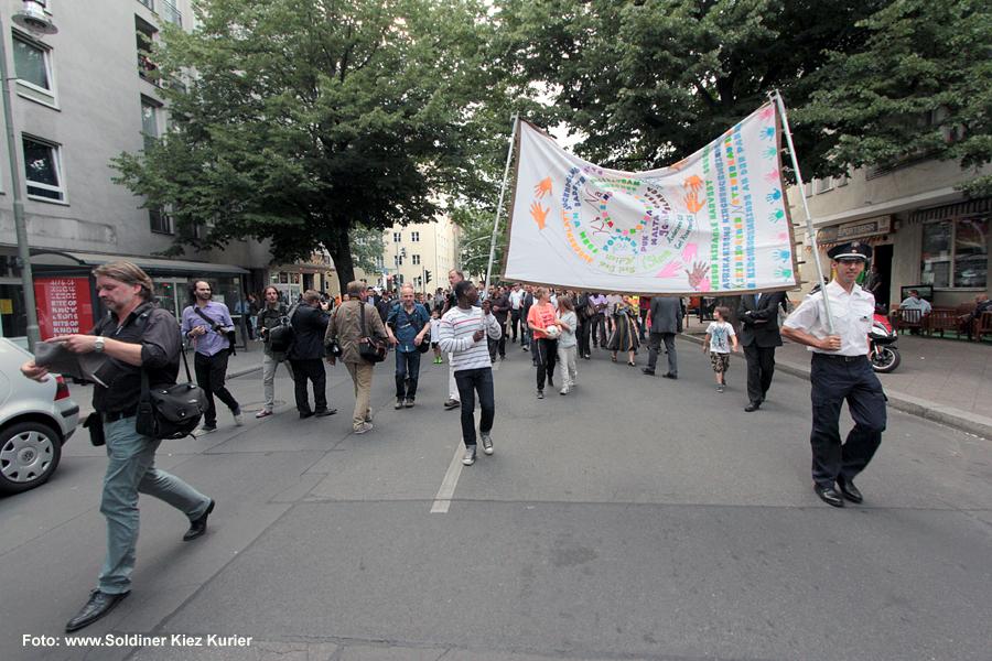gang für frieden Thomas de Maizière soldiner kiez (2)