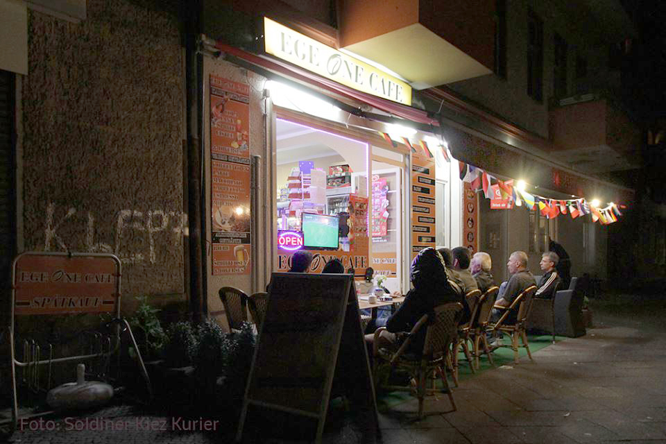 Public Viewing in der soldiner Strasse Fussball WM