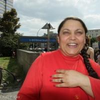 Azize Karagülle - die Vernissage mit Text, Stil und Unabhängigkeit
