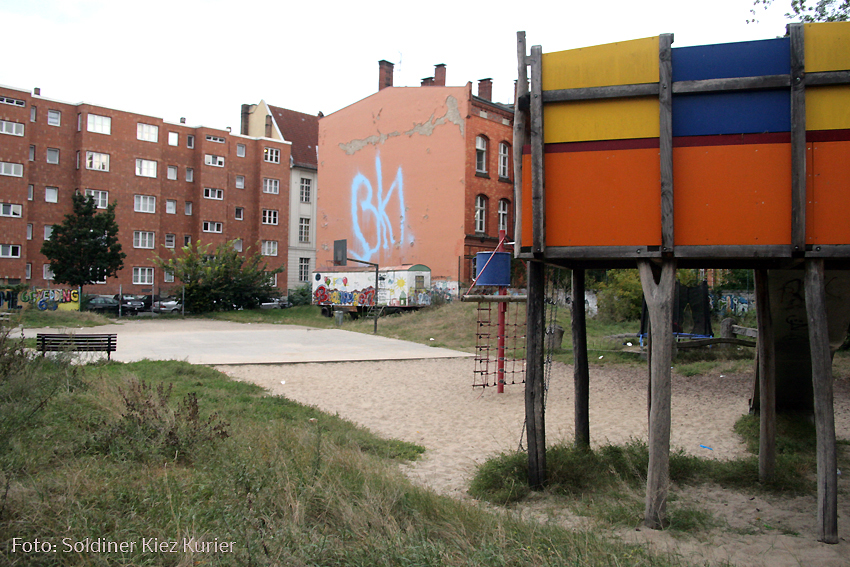 fassadensprüherei  spielplatz gotenburger straße ecke prinzenallee (6)