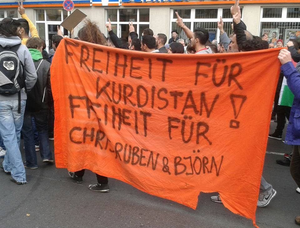 Demo Berlin ist Kobane in Kreuzberg