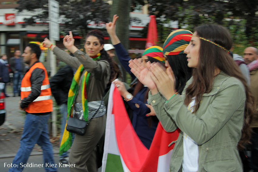 Jugend Kurden demo kobane wedding  (18)