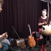 Freie Improvisation mit Michi Hartmann, Ellen Meyer, Ralf Eisinger by Tenthousandspoons