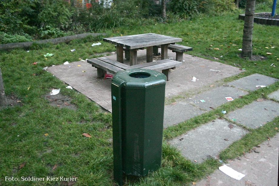 was vergessen Müll im soldiner Kiez (5)