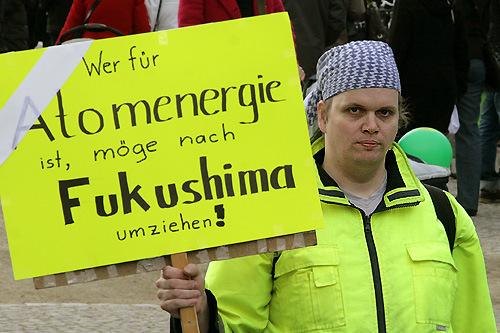 Fukushima demo brandenburger tor berlin