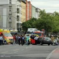 ES REICHT! – Schwerer Motorrad-Unfall Kreuzung Osloer Straße Ecke Pinzenallee
