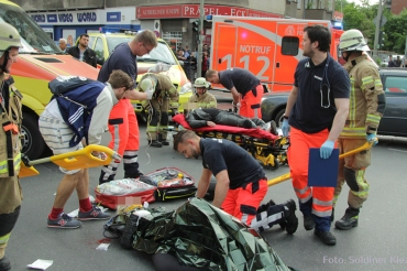 schwerverletzte motorradunfall osloer strasse prinzenallee Berlin (12)
