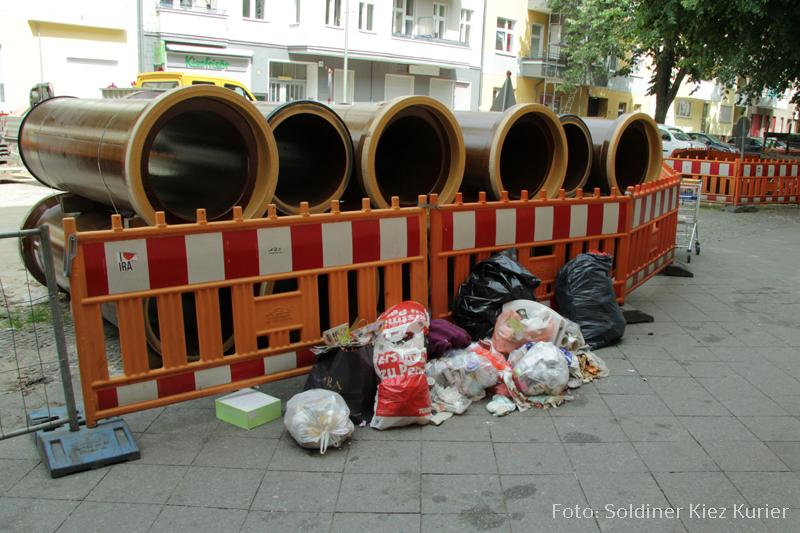 Müllberge in der soldiner Straße (1)