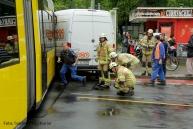 Tramunfall kleintransporter osloer ecke Prinzenallee (9)