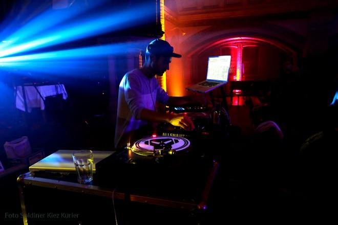 Religion of bass Stephanuskirche berlin golden lounge (10)