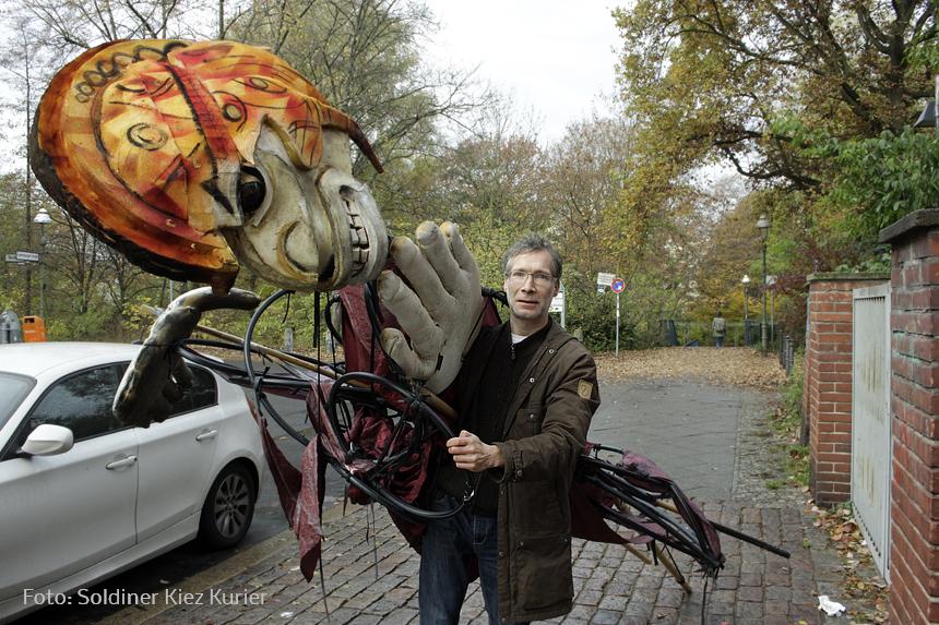 ein mann Puppe mit Björn Zacharias (2)