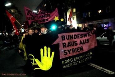 Bundeswehr raus aus syrien demo durch soldiner kiez (1)