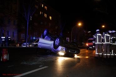 Überschlag Unfall in der Prinzenallee (6)
