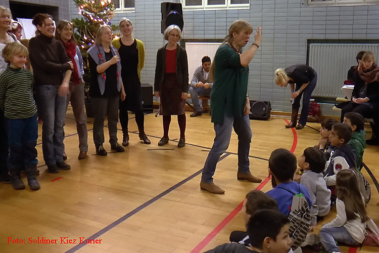 jodeln im flüchtlingsheim mt Ingrid hammer (6)