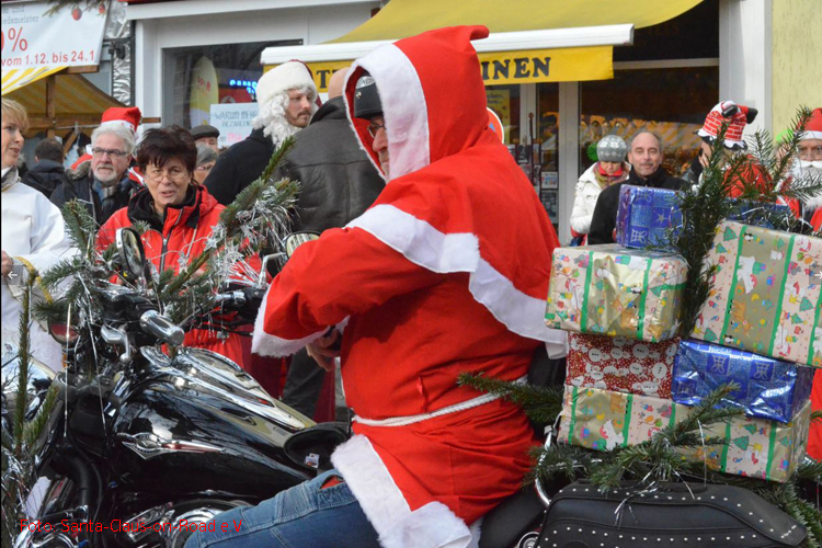 Santa Claus on Road biker tour 2