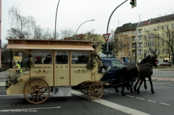 Alt Berliner Pferdeomnibus im soldiner Kiez (2)