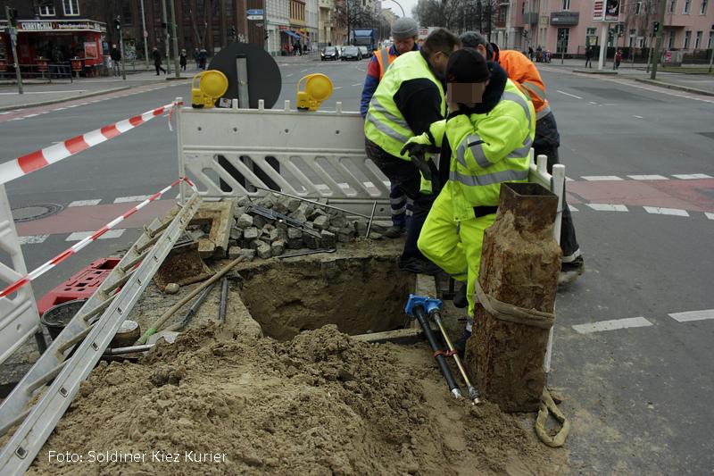 Baustelle osloer Straße ecke Prinzenallee abwasser (3)