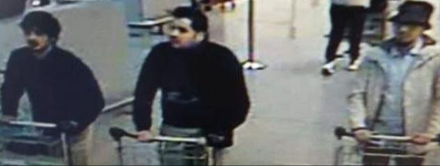Drei Verdächtige Videoüberwachungsfoto Flughafen Brüssel