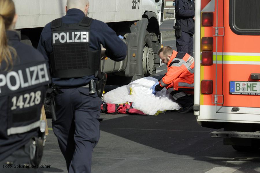 Mann von LKW totgefahren prinzenallee Soldiner Kiez (3)