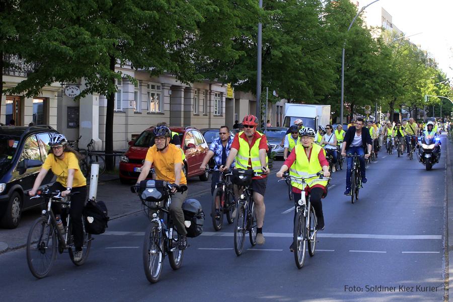 COOPERIDE Pedalling for Change Cycle Ende Gelände 2016 streift Berlin und den Soldiner Kiez (3).jpg