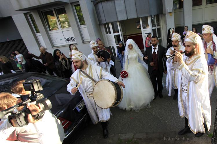 Hochzeit in der Soldiner Strasse im Mai (16)