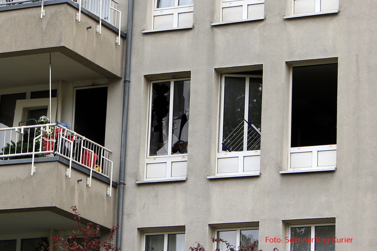 Wohnungsbrand in der freienwalder Straße soldiner Kiez Gesundbrunnen (4)