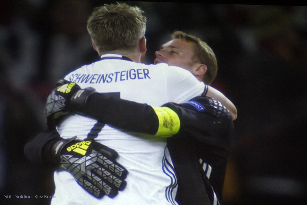 3 Sebastian Schweinsteiger und Manuel Neuer.jpg