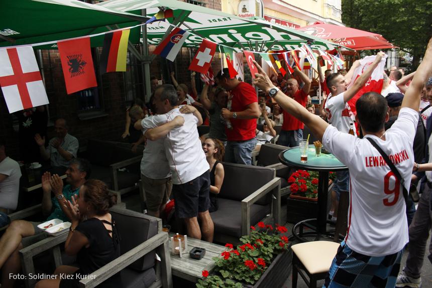 fußball Polen gegen Schweiz im PaKa Club (6)