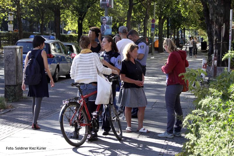 Fahrrad rammt PKW Osloer Straße Ecke Prinzenallee (2).jpg