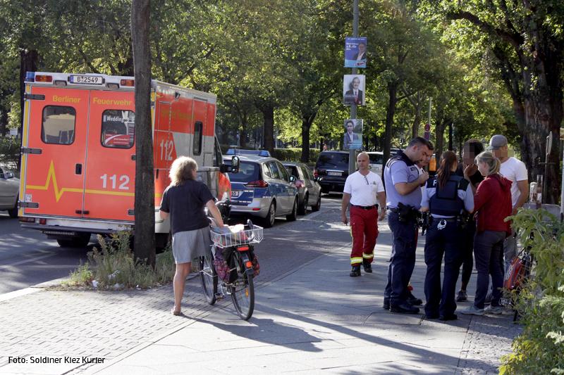 Fahrrad rammt PKW Osloer Straße Ecke Prinzenallee (3).jpg