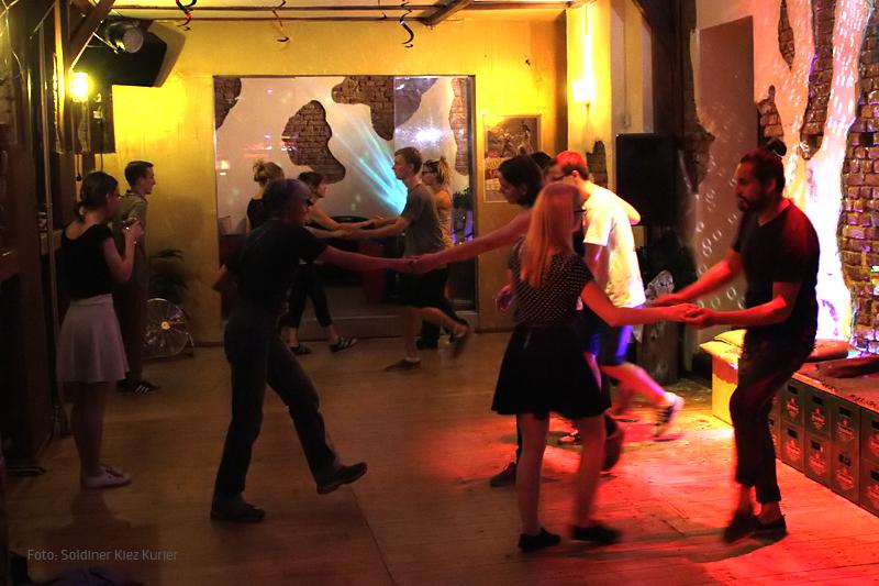 Patrol Berlin Swing Tanzunterricht in der Golden Lounge  (3)
