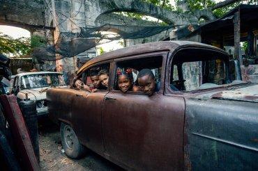 Vernissage okk raum 29 Puertas Abiertas Offene Türen Kuba im Wandel