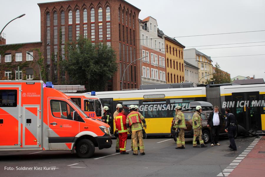 Unfall mit Tram Kreuzung Prinzenallee Osloer straße (1).jpg