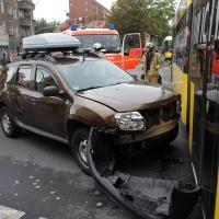 PKW rammt Tram- Prinzenallee Ecke Osloer Straße