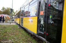 unfall-mit-tram-kreuzung-prinzenallee-osloer-strase-4
