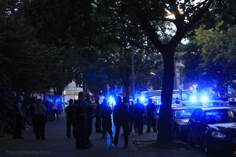 Polizeieinsatz NUK Osloer Strasse.jpg